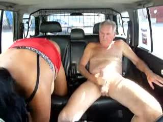 Mature Prostitute fast service in the parking Bingo