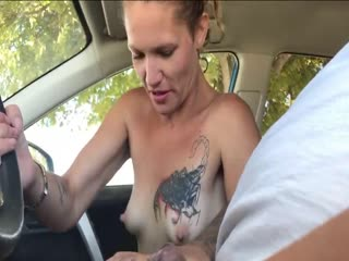 Milf StreetWhore blowjob and Swallow in car