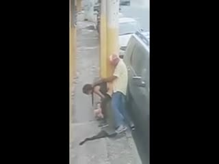 Dominican Prostitute gets fucked in the middle of the street without condom